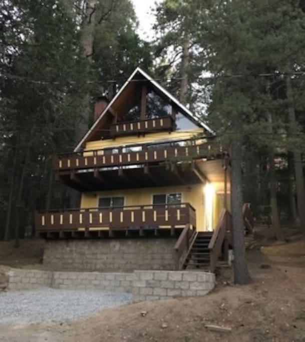 Relaxing cozy cabin lake arrowhead cottages for rent in for Cabins in lake arrowhead ca