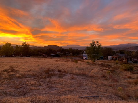 Calf Creek Cottage-Cozy home with amazing views!