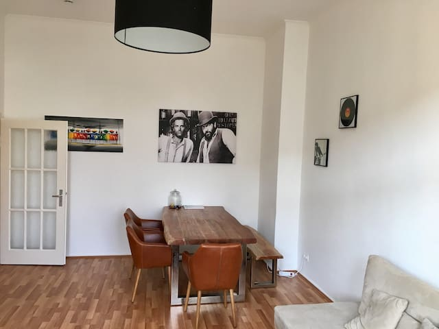 Best Located Apartment, near City and Faire CEBIT - Hannover - House