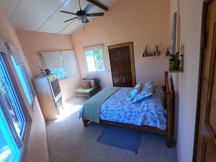 Miramesi:cozy cottage house at Santa Rita de Anton