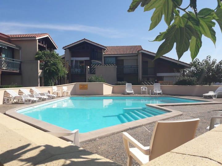 Appartement T2 avec piscine 200m de la plage