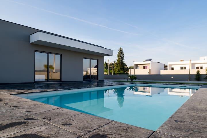 Villa moderne avec piscine privée - Caminha