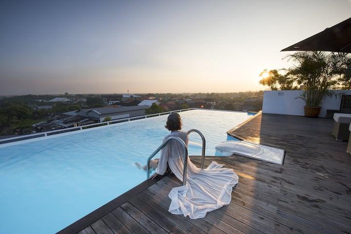 AUM Jimbaran Rooftop Swimming Pool Close Nusa Dua