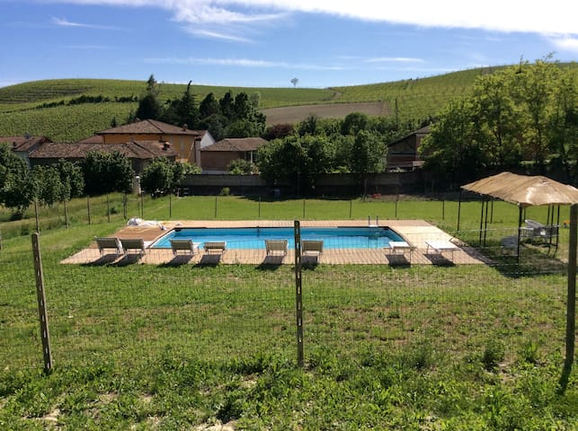 Villa La Martina-private pool among the vineyards - Canelli - Villa
