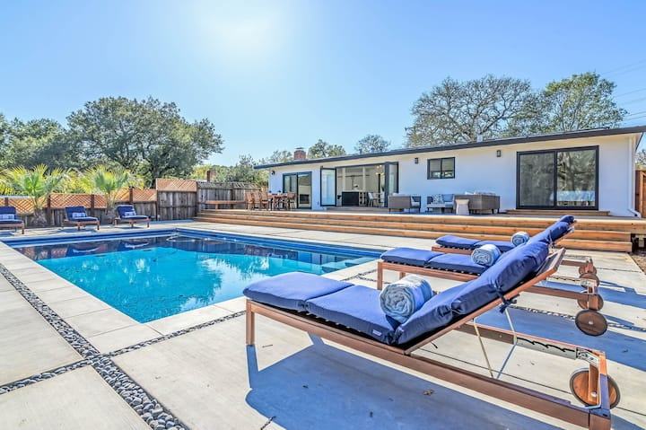 Casa Blanco - New remodel! Quiet, view and pool!