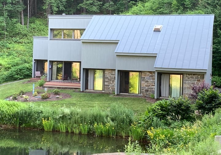 Quechee Vermont Vacation Home-Ideal for Families
