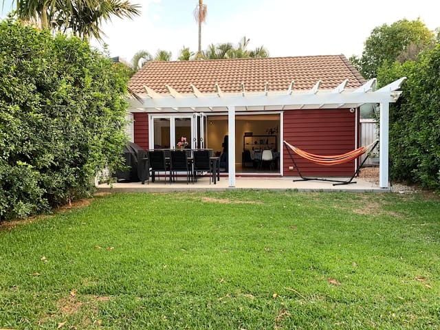 Little Red Studio - 5mins walk to waterfront&cafes