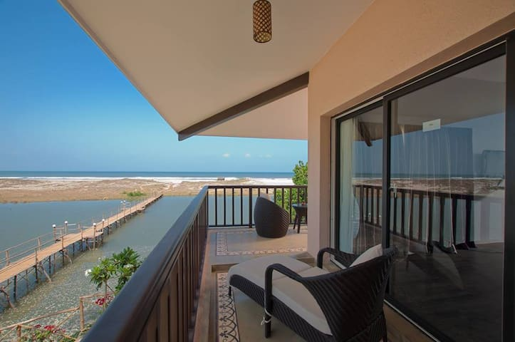 Pemium luxury suite on Mandrem beach