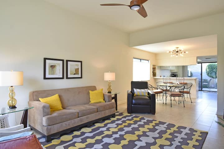 Beautiful Condo Just Minutes from Downtown