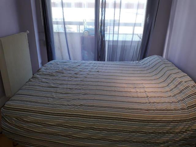 Chambre 1 avec un lit 2 places