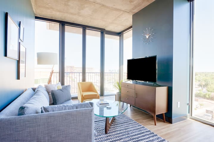 Sonder | Mill Ave | Beautiful 2BR + City View
