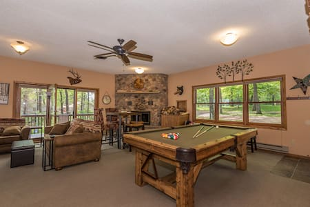 ENHANCED CLEANING at this Lake Lodge/ pool table!
