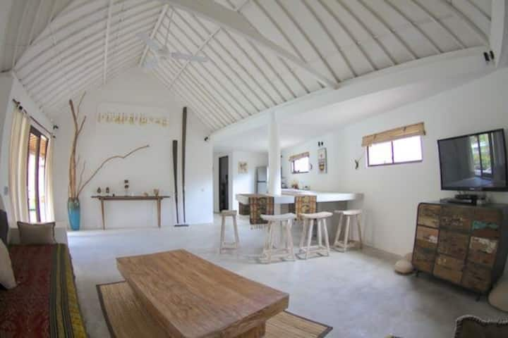 BEAUTIFUL APARTMENT IN CANGGU