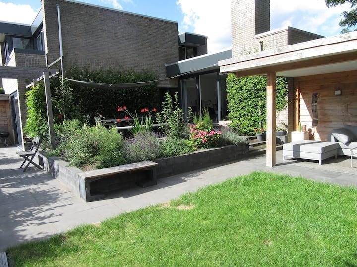 Attractive house (4 pax) with spacious garden