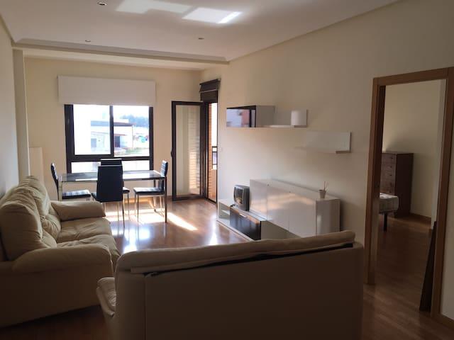 Piso amplio muy tranquilo - San Isidro - Apartament