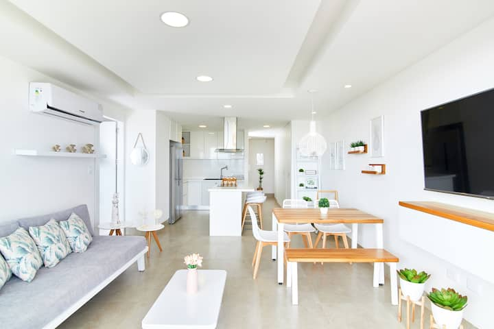 *CHIC & LOVELY APARTMENT AT THE BEACH IN CHIPIPE.
