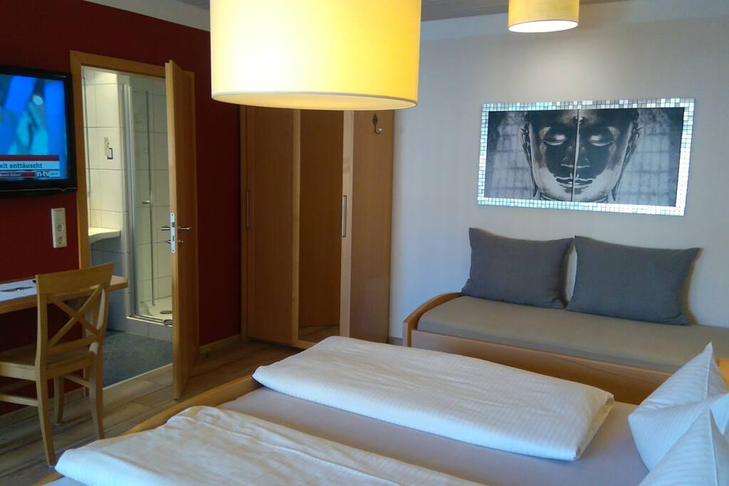 Zimmer mit 3 richtigen Betten also auch für größere Kinder geeignet