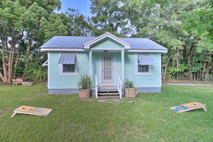 NEW! Long Beach Cottage, Walk to the Pier & Harbor