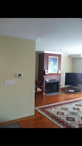 Quiet and private, easy access to downtown