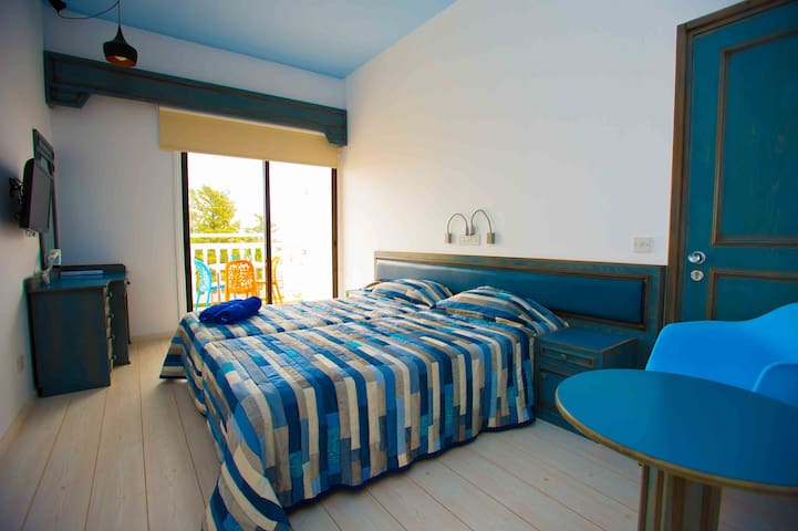 Bed and Breakfast room- Tsanotel - Limassol - Bed & Breakfast