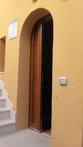 da Ciccio e Concy 1st floor apartment - Tursi - Daire
