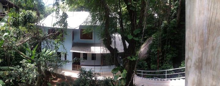Bucólico espaço em meio ao verde de Fradinhos