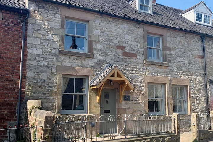 Fern Cottage - luxury cottage ***PRICED FOR 6***