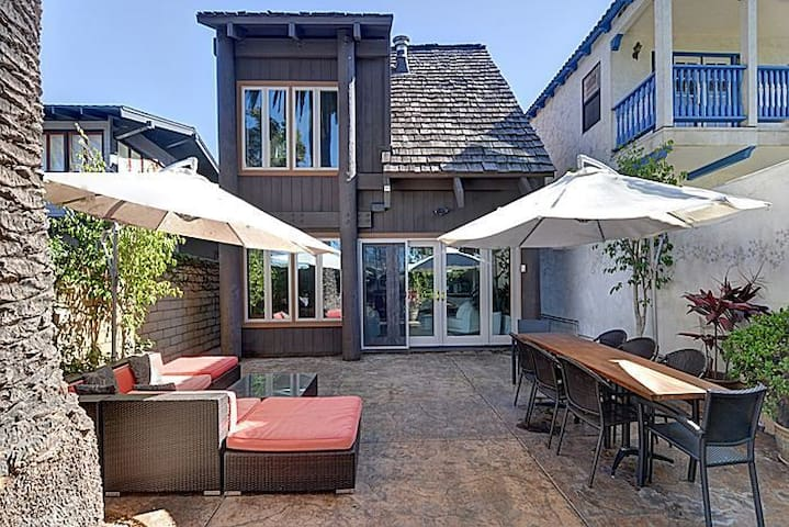 Master Suite in lovely loft style home - Coronado - Rumah