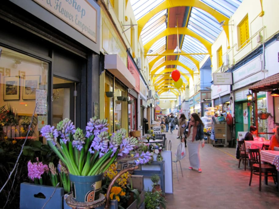 Beautiful flower stalls, food and furniture from all over the world