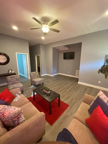 Beautiful renovated 3bedroom/Historical Parkview