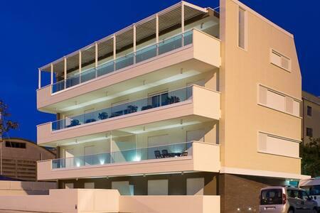 Appartamento in palazzo di pregio con vista porto - Pesaro