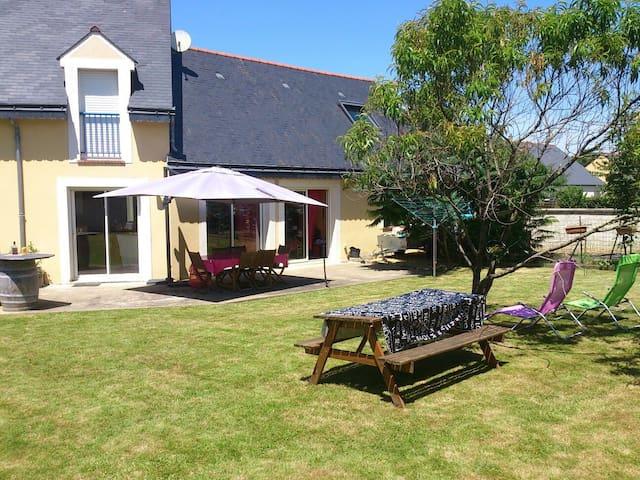 Maison à 2 pas de la Mayenne - Ménil - Casa