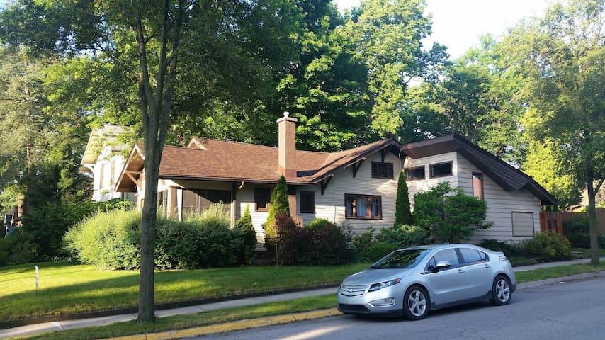 Beautiful Vintage Home - Short Walk to Purdue!