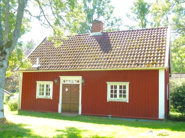 Lantlig stuga nära Jönköping/Gränna - Adelöv