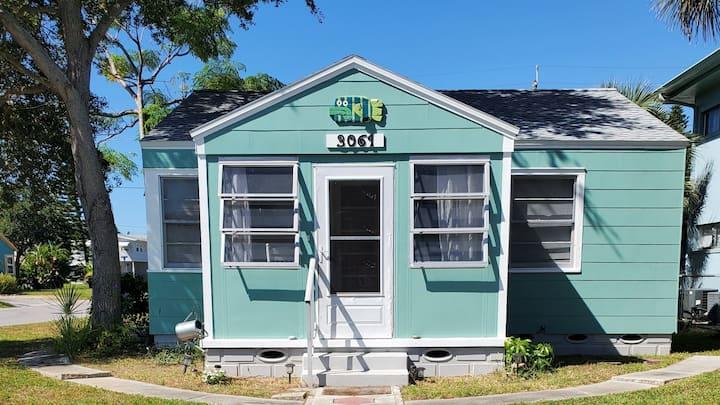 Gulfport Art District - One Block From Beach!