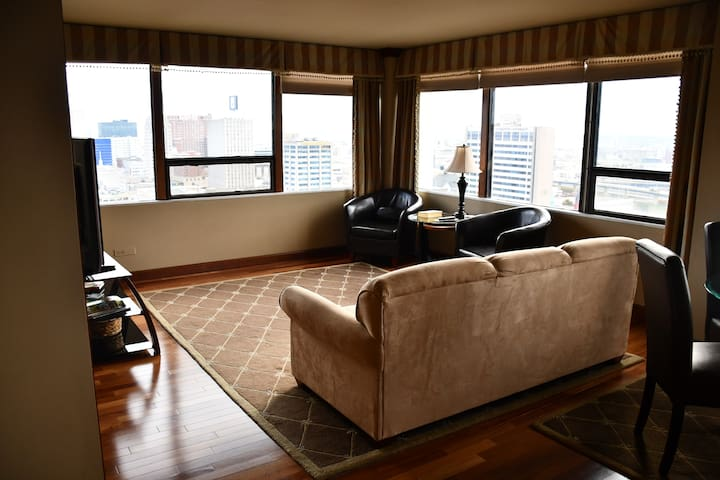 DNC Suite & Rooftop Pool, within 1 mi of Fiserv