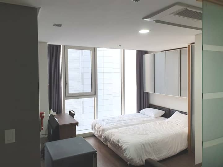 Sinchon central Ko-up guest house (Seoul)