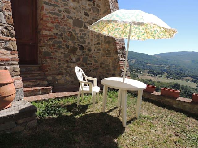 Splendida casa nel borgo medievale - Castelnuovo di Val di Cecina