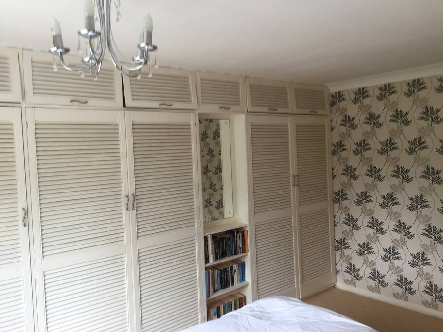 Fitted wardrobes 2 drawers inside wardrobes