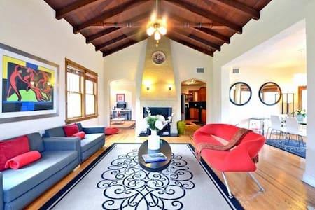 Modern 4BD2BA Villa POOL GUESTPASS - マイアミ