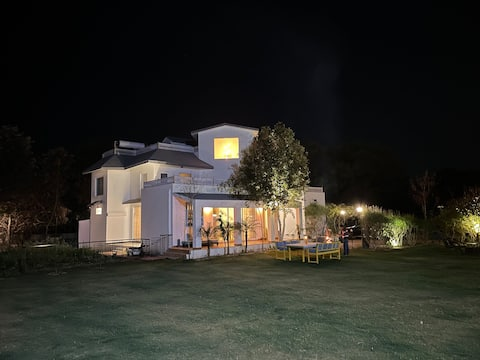 Nature Ville Farmhouse -  Near Tree house - Jaipur