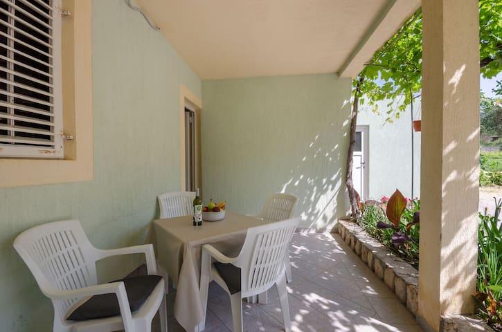 Dwuosobowy Apartament, Nad wybrzeżem, Supetarska Draga - wyspa Rab, Basen zewnętrzny, Taras