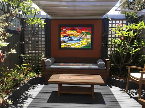 Beachlands courtyard studio