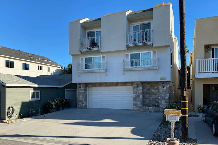 Charming 2,400 sq. ft. 4 bedroom Beach Villa