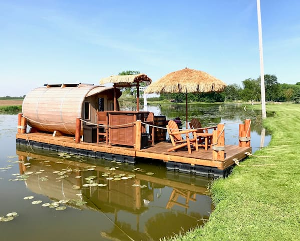Wine Barrel Floating Cabin w/Panoramic Window