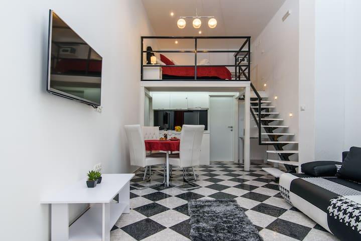 Studio Apartmant REA Red - Trogir - Apartment