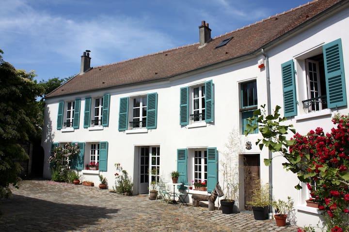 Les tilleuls - Le Plessis-Luzarches - Rumah