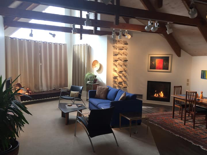 Mendocino Penthouse in Mendocino Village with Private Off Street Parking