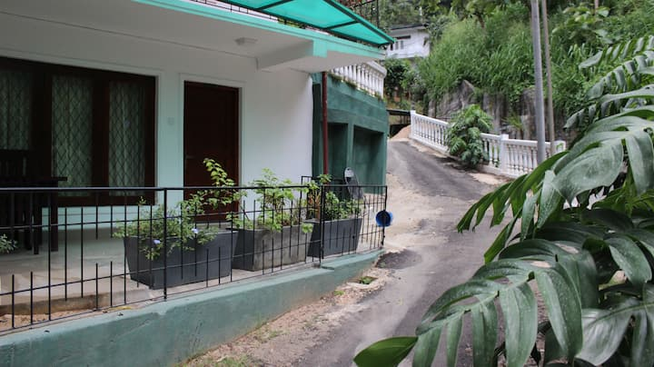 Two Double Room - Huge room accommodates 4