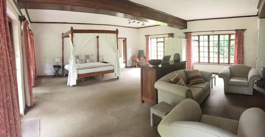 The Coop Family Suite @ Bramleigh Manor